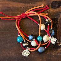 Leather and ceramic charm bracelet, 'Nahual Destiny' - Unique Ceramic Beaded Bracelet