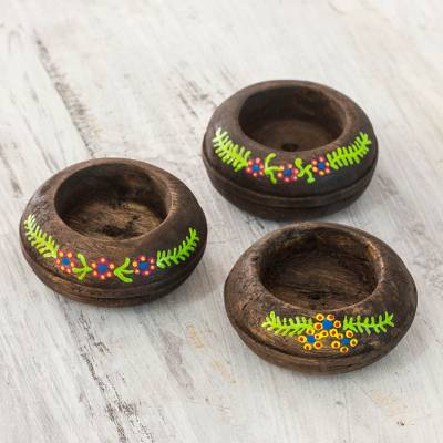 Wood tealight candleholders, 'Cool Garland' (set of 3) - 3 Tea Light Candle Holders Set