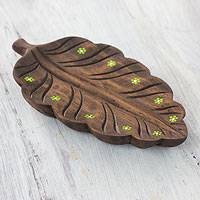 Wood catchall, 'Green Daisy Laurel Leaf' - Wood Catchall Tray from El Salvador