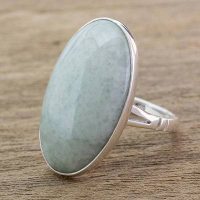 Jade cocktail ring, Pale Green Tonalities