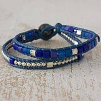 Beaded wristband bracelet, 'El Paredon' - Wristband Bracelet Artisan Crafted Blue Beaded Jewelry