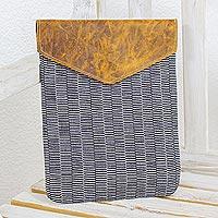 Leather-accented cotton laptop case Urbane (Guatemala)