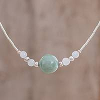 Jade beaded pendant necklace,