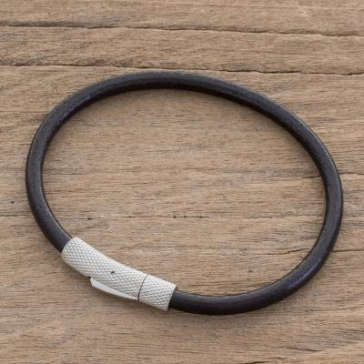 Men's leather cord bracelet, 'Authenticity in Black' - Men's Black Leather Cord Bracelet from Costa Rica