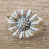 Sterling silver cocktail ring, 'Gerbera' - Pretty Sterling Silver Gerbera Daisy Cocktail Ring