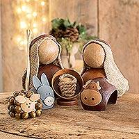 Dried gourd nativity scene, 'Birth in Bethlehem' (6 pieces) - 6 Naif Dried Gourd Nativity Figurines from El Salvador