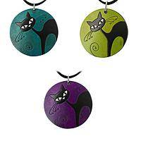 Wide-Eyed Curiosity - Hand-Carved Gourd Necklace Featuring a Charming Black Cat