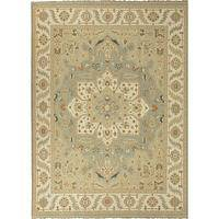 Classic oriental blue/ivory wool area rug, 'Lotus' - Classic Oriental Blue/Ivory Wool Area Rug
