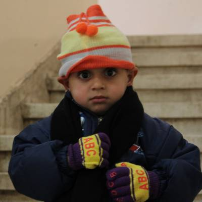 Hats and gloves for 4 Syrian children - Hats and gloves to help keep 4 Syrian children warm