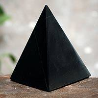 Onyx pyramid, 'Black Night of Peace' (large) - Onyx Pyramid Sculpture Handmade in Peru (Large)
