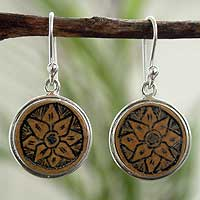 Mate gourd dangle earrings, Blossoms