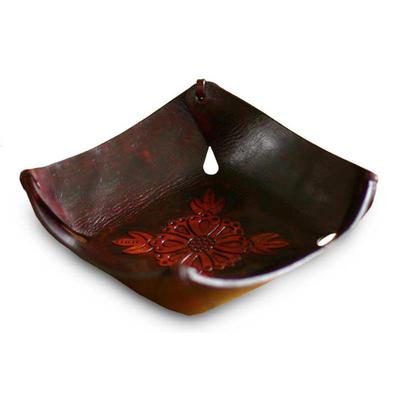 Leather centerpiece