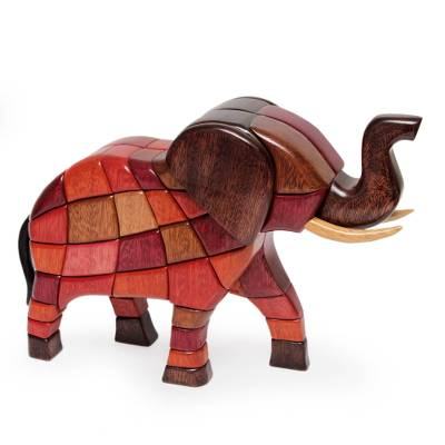 Ishpingo Wood Sculpture from Peru