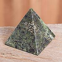 Nephrite pyramid, 'Nature Mystique' - Nephrite Pyramid Gemstone Sculpture