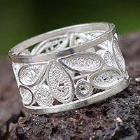 Silver band ring, 'Ecology' - Artisan Crafted Fine Silver Filigree Band Ring