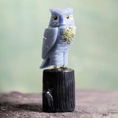 Celestite and serpentine sculpture, 'Blue Owl' - Celestite and Serpentine Gemstone Sculpture