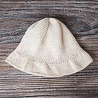 100% alpaca hat, 'Snowdrop' - 100% alpaca hat