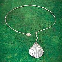 Cultured pearl choker,