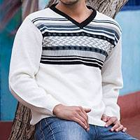 Men's 100% alpaca sweater, 'Tireless Wanderer' - Men's White Alpaca Pullover Sweater from Peru