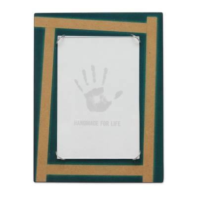 Handcrafted Andean Wood Photo Frame (4 x 6 in)