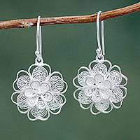 Sterling silver flower earrings, 'Filigree Jasmine' - Artisan Crafted Sterling Filigree Peruvian Flower Earrings