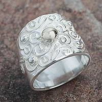 Sterling silver band ring, 'Arabesque Vines' - Peruvian Sterling Handcrafted Band Ring for Women