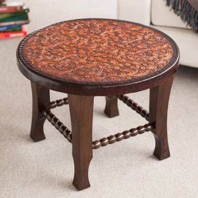 Tornillo wood and leather accent table, 'Colonial Floral Fantasy' - Colonial Style Leather on Wood 24 Inch Round Accent Table