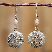 Cultured pearl flower earrings, 'Loves Me, Loves Me Not' - Womens Silver and Pink Pearl Dangle Earrings from Peru