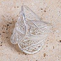 Sterling silver filigree ring, 'Fall Leaves' - Hand Crafted Sterling Silver Filigree Ring with Leaf Motif