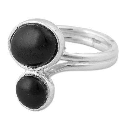 950 Silver and Obsidian Cocktail Ring from Peru