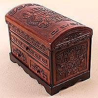 Cedar and leather jewelry box Imposing Hawk Peru