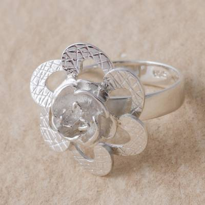 Artisan Crafted 925 Sterling Silver Floral Cocktail Ring