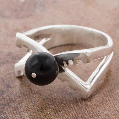 Women's Modern Ring in Sterling Silver with Onyx from Peru