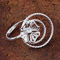 Sterling silver cocktail ring, 'Stellar Flower' - 925 Sterling Silver Flower Cocktail Ring Handmade in Peru