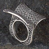 Sterling silver filigree cocktail ring, 'Turning Pages' - Artistic Sterling Silver Filigree Cocktail Ring from Peru