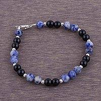 Sodalite and agate beaded bracelet,