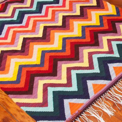 Wool area rug, Colorful Zigzag (4x5)