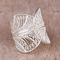 Sterling silver filigree band ring, 'Windy Currents' - Handcrafted Sterling Silver Filigree Band Ring from Peru