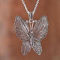 Sterling silver filigree pendant necklace,