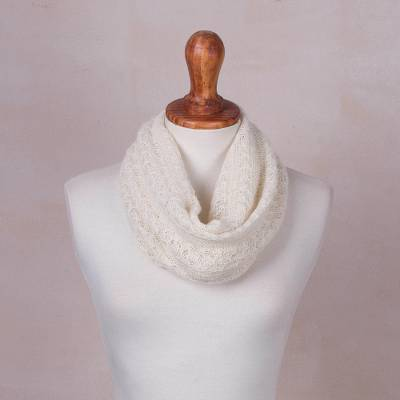 Baby alpaca blend neck warmer, 'Alabaster Intrigue' - Baby Ivory Alpaca Blend Knitted Neck Warmer from Peru