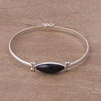 Obsidian pendant bracelet,