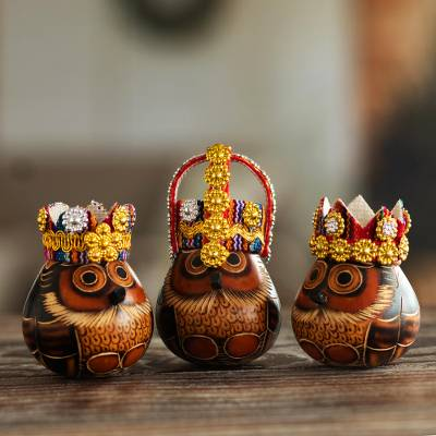Gourd figurines, 'Three Kings' - Owl Three Kings Gourd Figurines from Peru (Set of 3)