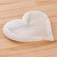 Huamanga stone catchall, 'Strong Heart' - Hand Sculpted White Alabaster Heart-Shaped Catchall