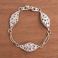 Sterling silver link bracelet, 'Leafy Valley' - Artisan Crafted Sterling Silver Link Bracelet from Peru