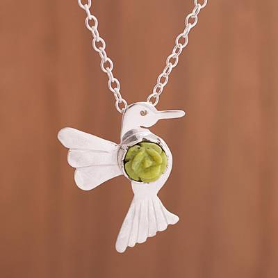 Serpentine pendant necklace, 'Majestic Hummingbird' - Serpentine Hummingbird Pendant Necklace from Peru