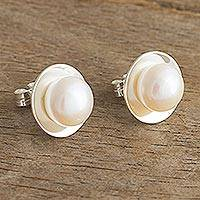 Cultured pearl button earrings, 'Quintessential' - Classic Cultured White Pearl Button Earrings