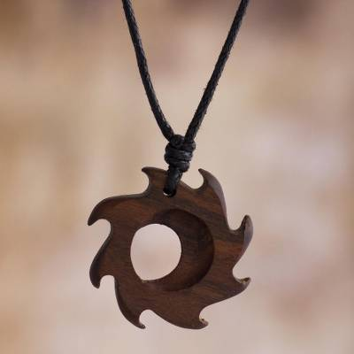 Wood pendant necklace, Inti Inspiration