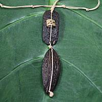 Men's coconut shell necklace, 'Ethnic Mind' - Men's coconut shell necklace