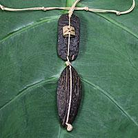 Men's coconut shell necklace, 'Ethnic Mind' (Ghana)