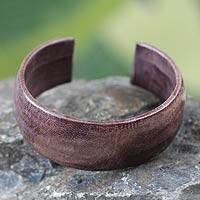 Leather cuff bracelet, 'Annula in Plum' - Leather Cuff Bracelet